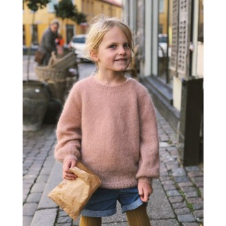 Novice Sweater Junior - Mohair Edition fra PetiteKnit